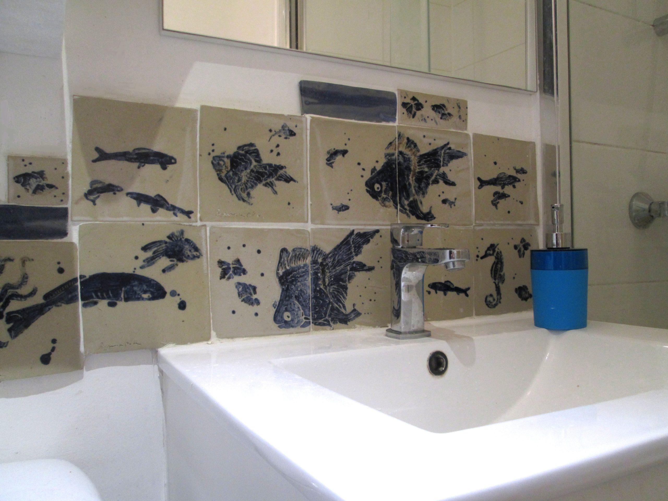 Annapia Sogliani piastrelle ceramica fatte e decorate a mano handmade ceramic tiles carreaux muraux céramique fait et décorés main