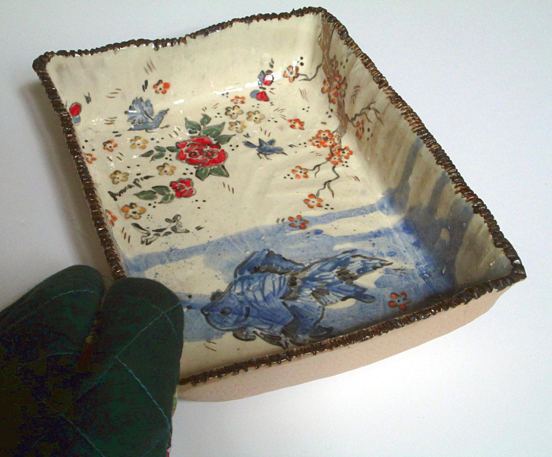 Annapia Sogliani teglia in ceramica fatta e decorata a mano engobbio, plat à four céramique faite et décorée main grès décor engobe